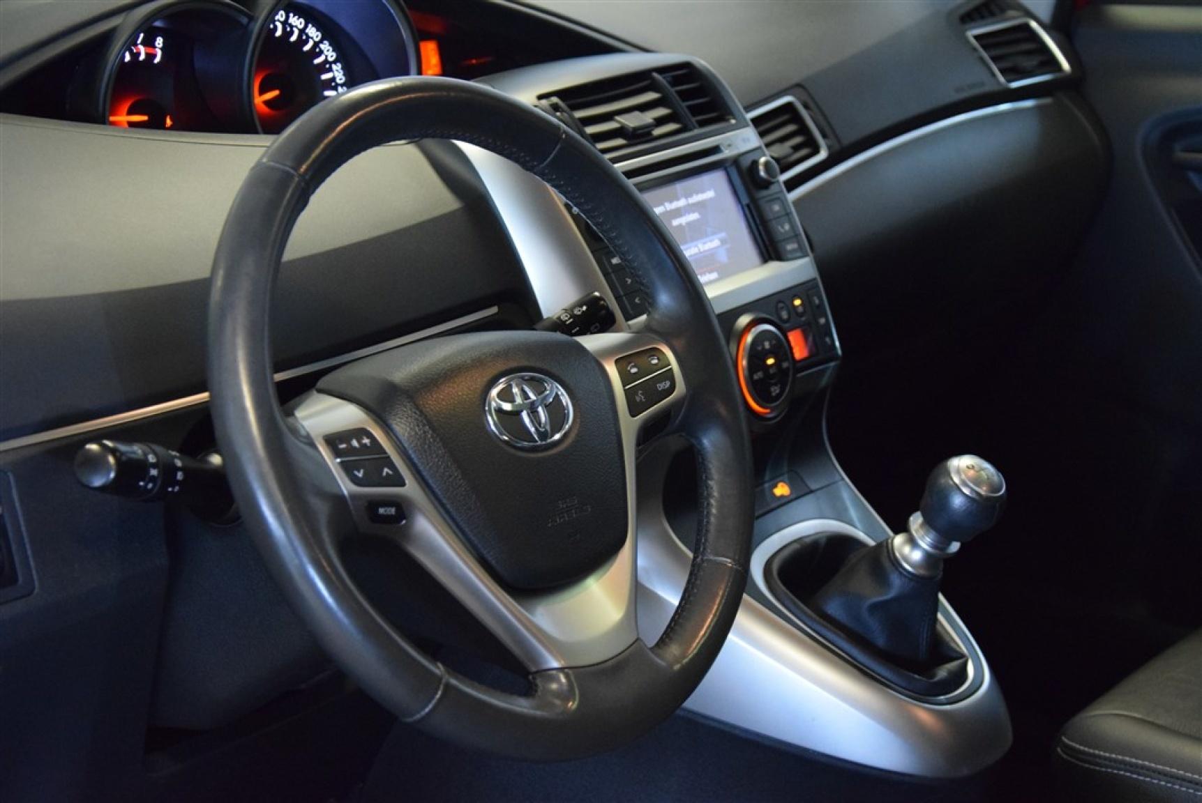 Toyota-Verso-4